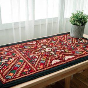 沙漠風刺繡毯